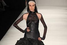 Coleção de inverno assinada por Lino traz muito preto nas roupas-Agnews