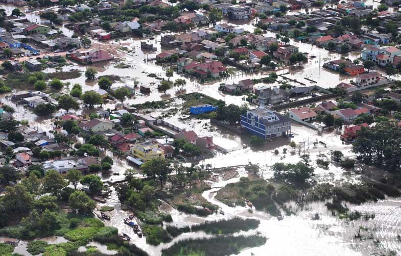 Diversos bairros ficaram alagados na cidade de São Lourenço do Sul:imagem 1