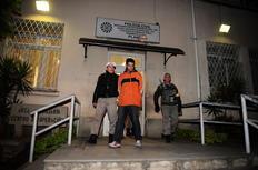 Assaltante foi levado ao Palácio da Polícia para autuação - Valdir Friolin / Agencia RBS