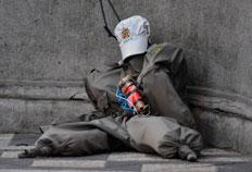Em setembro, um boneco com a farda da BM e material semelhante a um explosivo foi colocado no centro da Capital-Lauro Alves