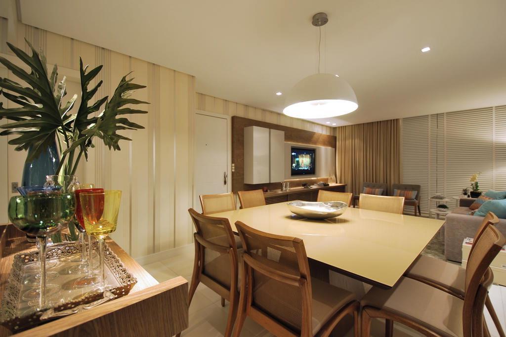decoracao de sala azul turquesa e amarelo : decoracao de sala azul turquesa e amarelo: com tons neutros adapta a sala de estar para diferentes tipos de usos