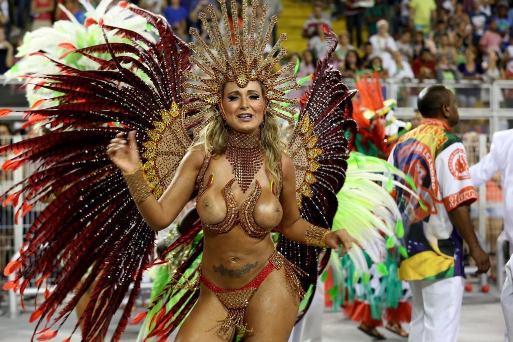 eroticheskie-karnavali-v-brazilii