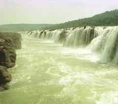 O Salto do Yucumã, no Rio Uruguai, é um dos mais extensos do mundo-Tadeu Vilani, BD